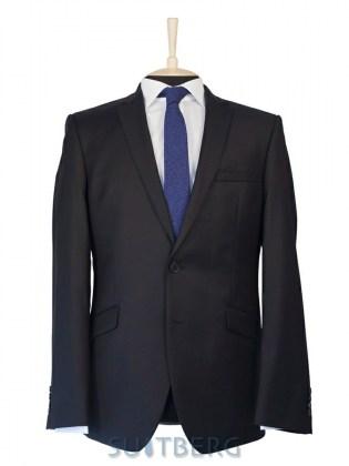 d360837dccaf Купить приталенные костюмы для мужчин по лучшей цене от мировых брендов